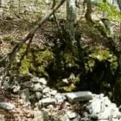 """""""Su stampu"""": la grotta che soffia sotto Monte Lupone e perché si chiama così"""